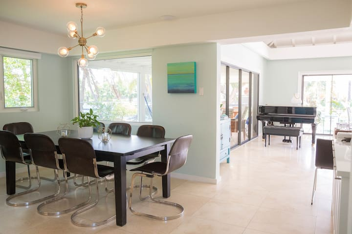 Dinning table expands to seat 12