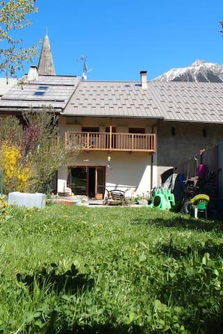 Maison de caractère-Clarée-Montgenevre-SerreChe - Val-des-Prés - Huis