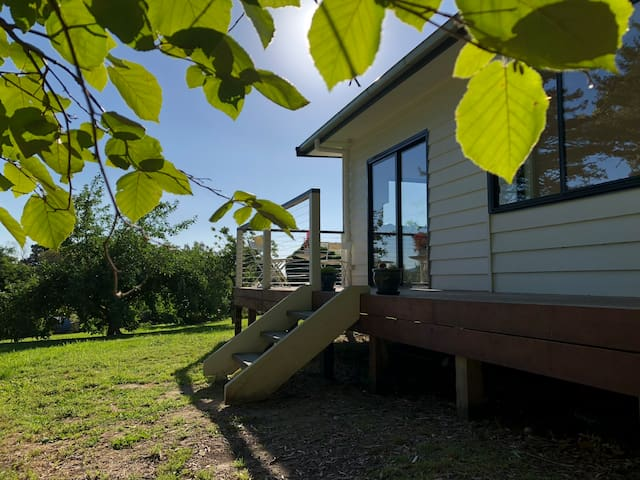 Stargazer - A new cottage walking distance to town