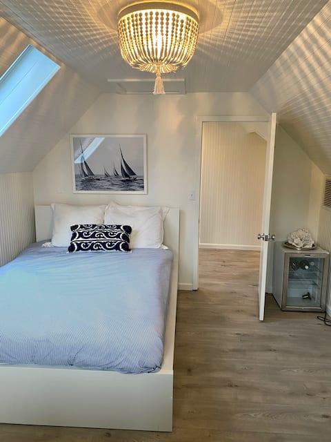Beautiful 1 Bedroom in House near the beach
