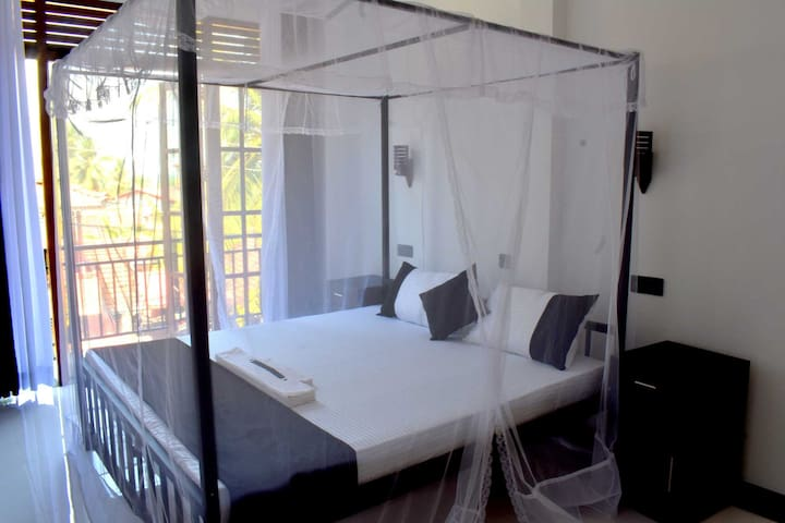 D3 Weligama/ Comfortable Double Room with Kitchen