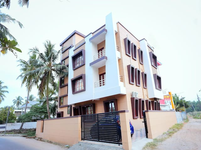 OYO - Furnished 2BR Stay in Trivandrum At Discounted Rates