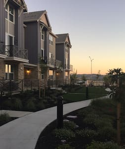 A brand new and beautiful home in Dublin,CA - Дублин