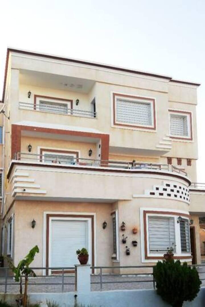 Charmant Appartement S+3 à el hawariya plage