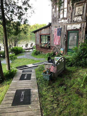 Morning-side Rivercamp   Cabin Camping