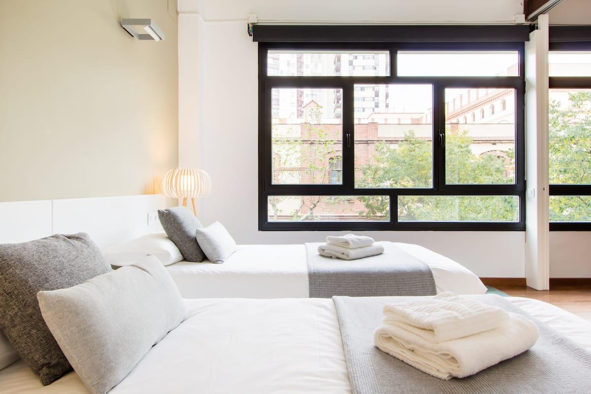 Trendy & Luminous Apartment in the City Center