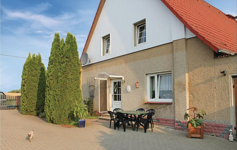 Holiday apartment with 1 bedroom on 76m² in Hilgendorf