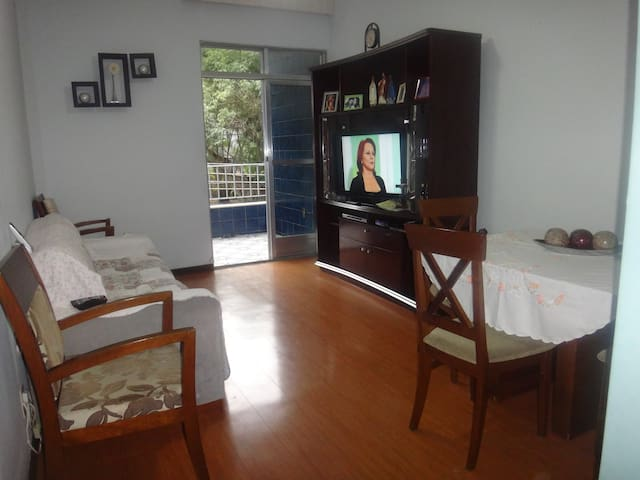 Quarto privado 2 pax - Ilha do Gov - GIG - UFRJ