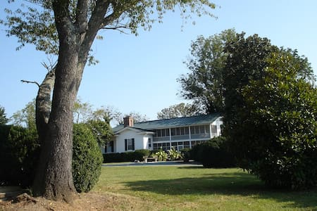 1856 Manor House at Wolftrap Farm - Gordonsville - Rumah