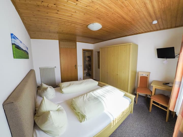 Gasthof-Metzgerei Altmann (Eschlkam), Doppelzimmer mit WLAN