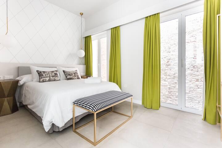 Weys Suites Standard 2