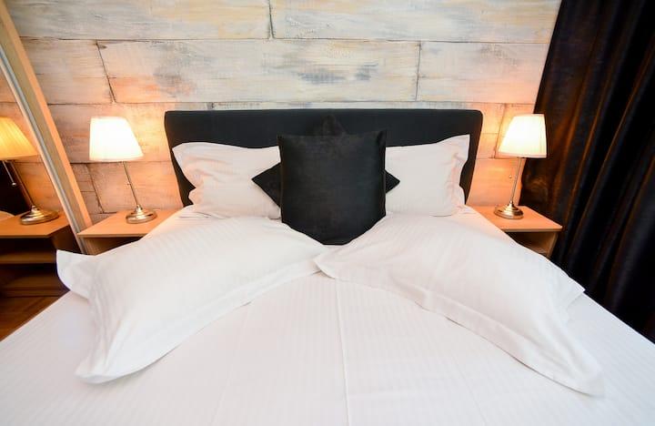 Quiet Apartment- 2 Bedrooms - 2 Baths - Balcony
