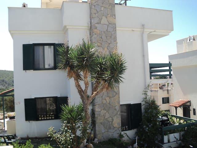 SUNNY HOLIDAYS IN SITE SOLEY-7 - Germiyan Köyü - 별장/타운하우스