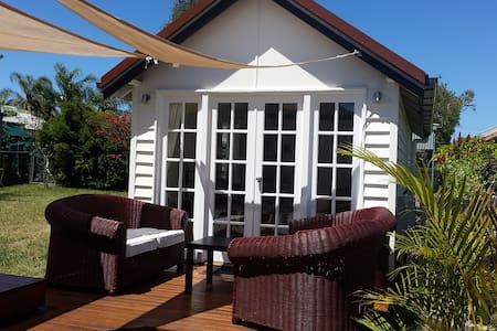 Stand alone private studio near the bay with WiFi - Manly West - Rumah Tamu
