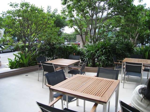 Villa Sathorn, Thonburi - Bangkok - Apartment