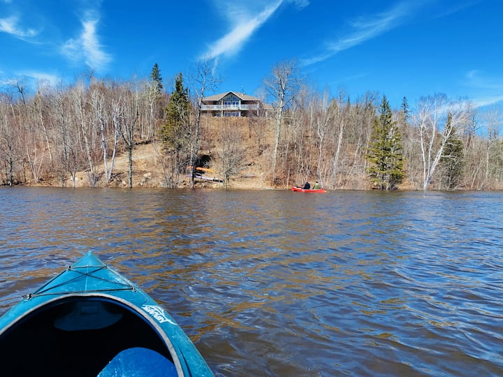 Lakefront Cottage in Sudbury