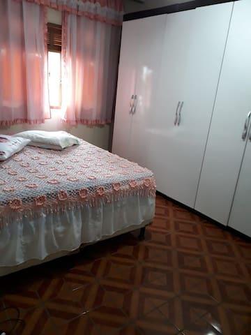 Apartamento Espaçoso e Mobiliado na Região Serrana