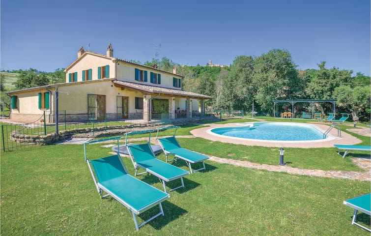 Holiday cottage with 2 bedrooms on 200m² in Barchi PU