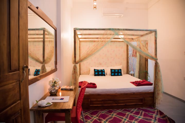 Lazy Bay- Deluxe Double Room With Breakfast