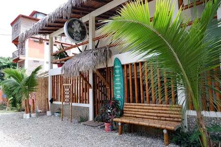 Double room in charming guesthouse by the beach