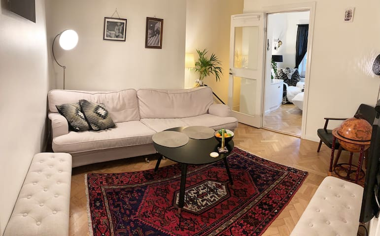 Two bedrooms in central Östermalm - next to metro!