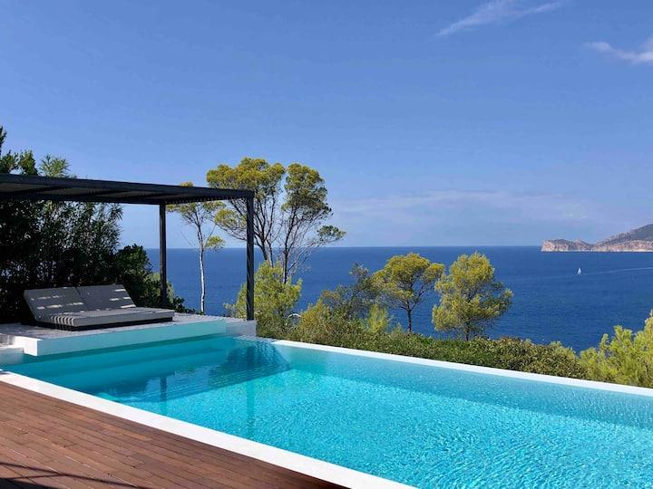 ALMA Luxury Villa with sunset
