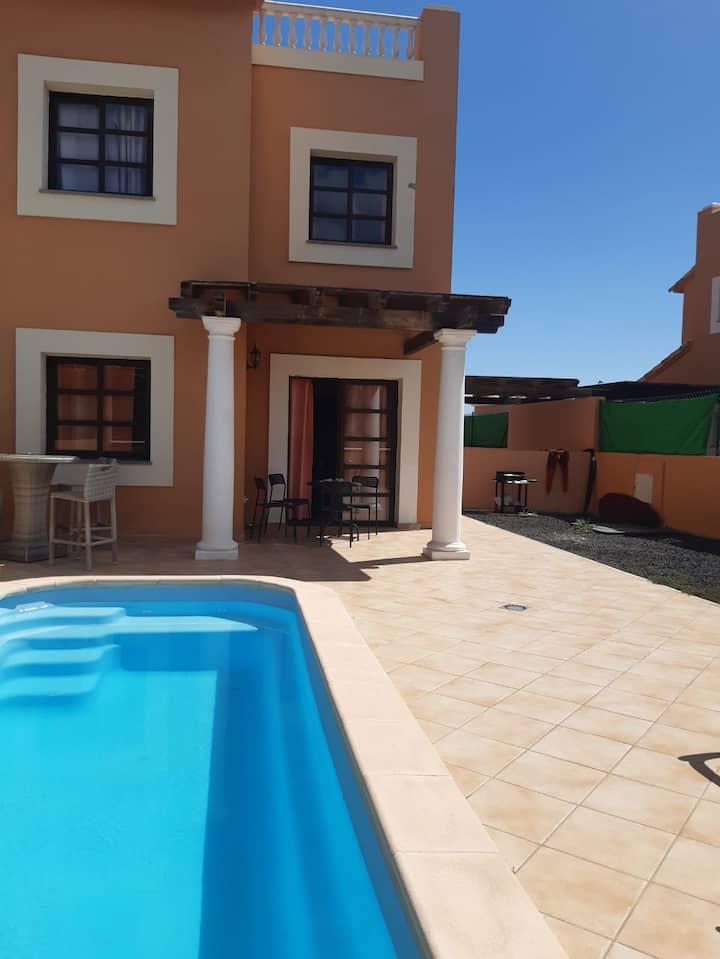 "Blue room en Villa ""Surf-Art House"" Corralejo"