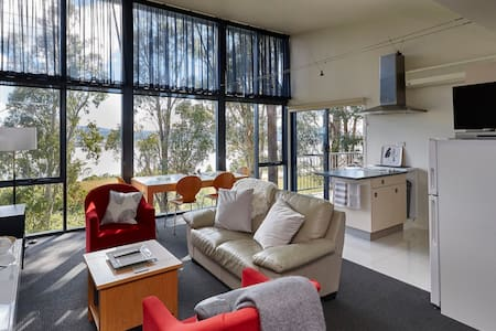 Tamar River Apartments - Vines 1 Bed Apartment - Rosevears