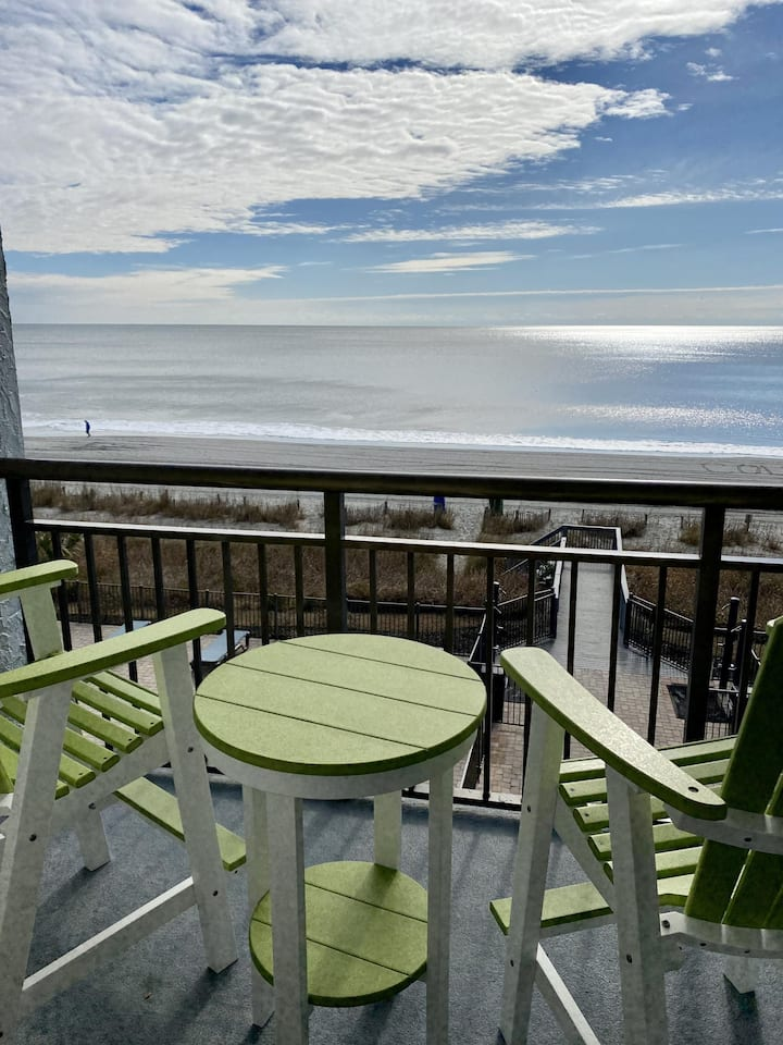 Beautiful, Bright  Oceanfront 1bd Condo