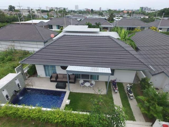 2 bedrooms villa with private pool! (MV66) - Tambon Nong Kae - 別荘