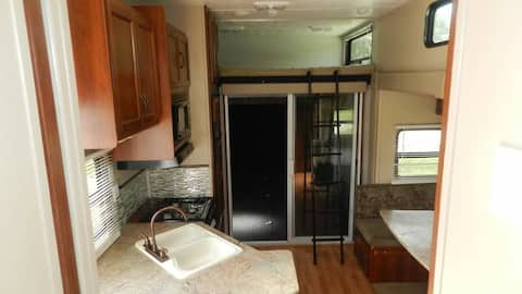 Beautiful, cozy and Complete RV
