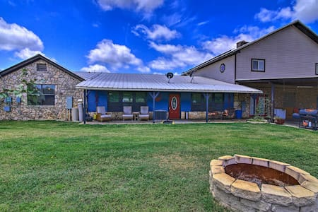 NEW! One-of-a-Kind Hill Country Apartment w/Games!