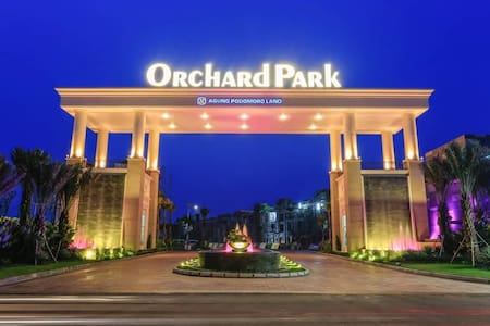 Roger House: Luxury Orchard Park Batam 4-7pax