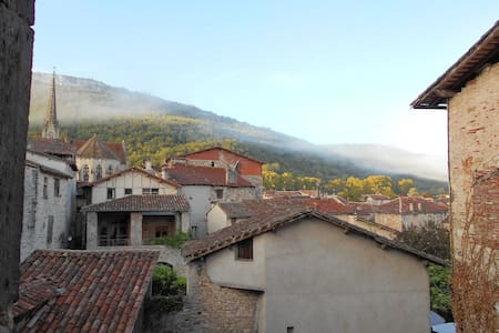 Beautiful Medieval Town House - Saint-Antonin-Noble-Val