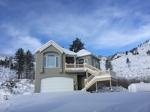 A Little Bit of Heaven - Near Tahoe - Guest House
