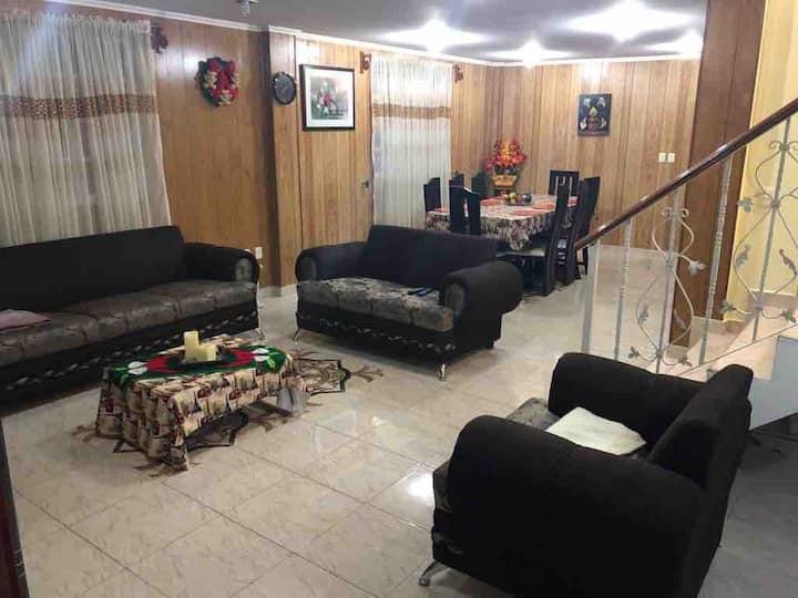 Casa completa 5 habitaciones, cómodo y céntrico