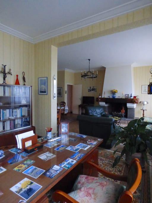 bureau et salle à manger