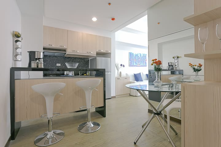 Rockwell East Bay Penthouse Condo
