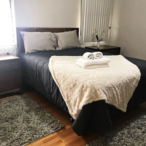 Cozy and Confy Room in Los Angeles near everything