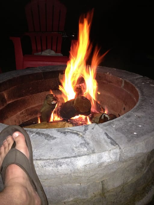 Outdoor fire pit - great for s'mores or relaxing by the heat of the fire