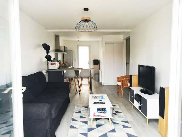 Maison rénovée / terrasse privée au calme