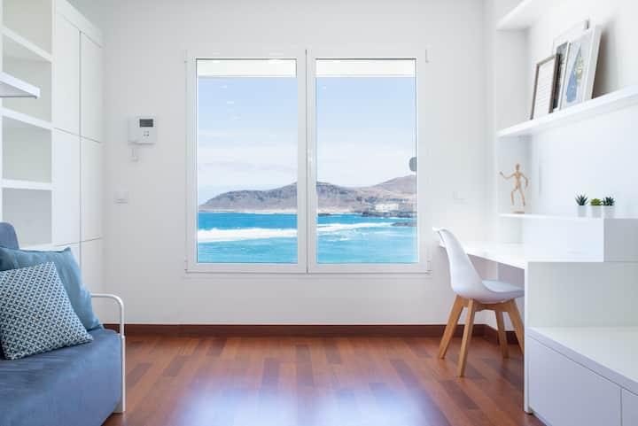 Elegante apartamento con vistas al mar