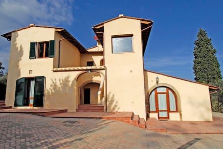 Villa 4 persone Via Fiorentina - เซียน่า - วิลล่า