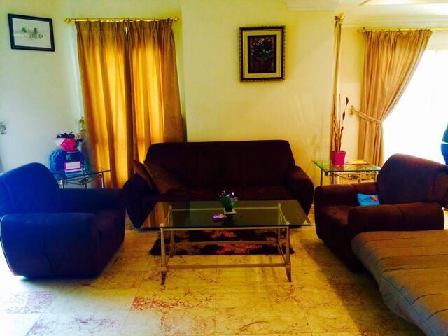 Right Place away from Home, Juffair - Manama - Huoneisto