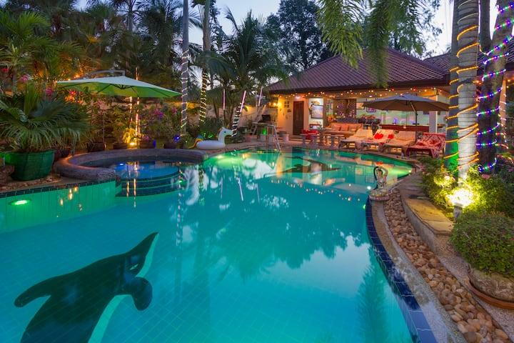 Stunning Villa in Thailand with a Tropical Garden.