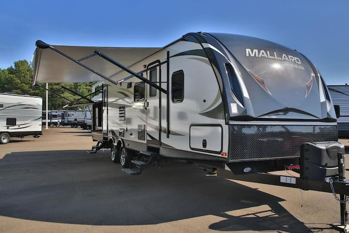 Clean CDC Approved Central Florida Camper