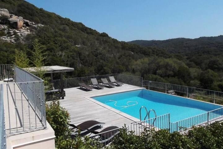 Villa de standing au calme, piscine privative