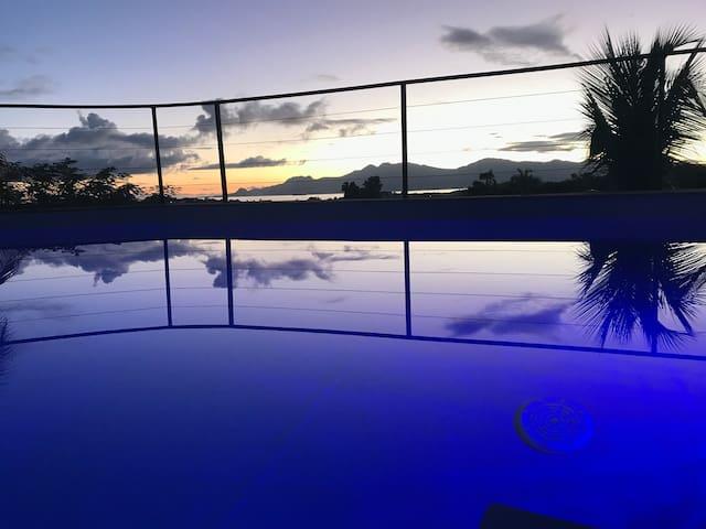 Superbe villa avec vue mer et piscine au sel