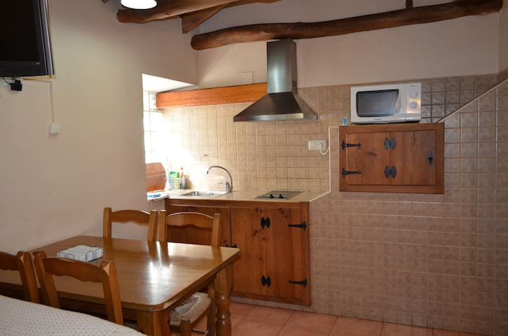 Detalle zona cocina, casa rural La Fragua. Alcaraz