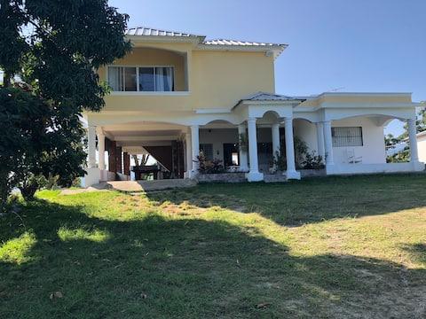 Villa Mateo, hogar acogedor entre montañas